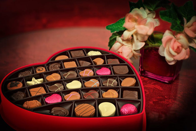Buying a Romantic Valentine's Day Gift