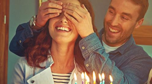 Birthday gift etiquette - apple for your eye