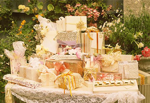 wedding gift etiquette on ceremony
